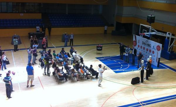 El Magariños acoge la presentación del nuevo balón de la Liga Endesa
