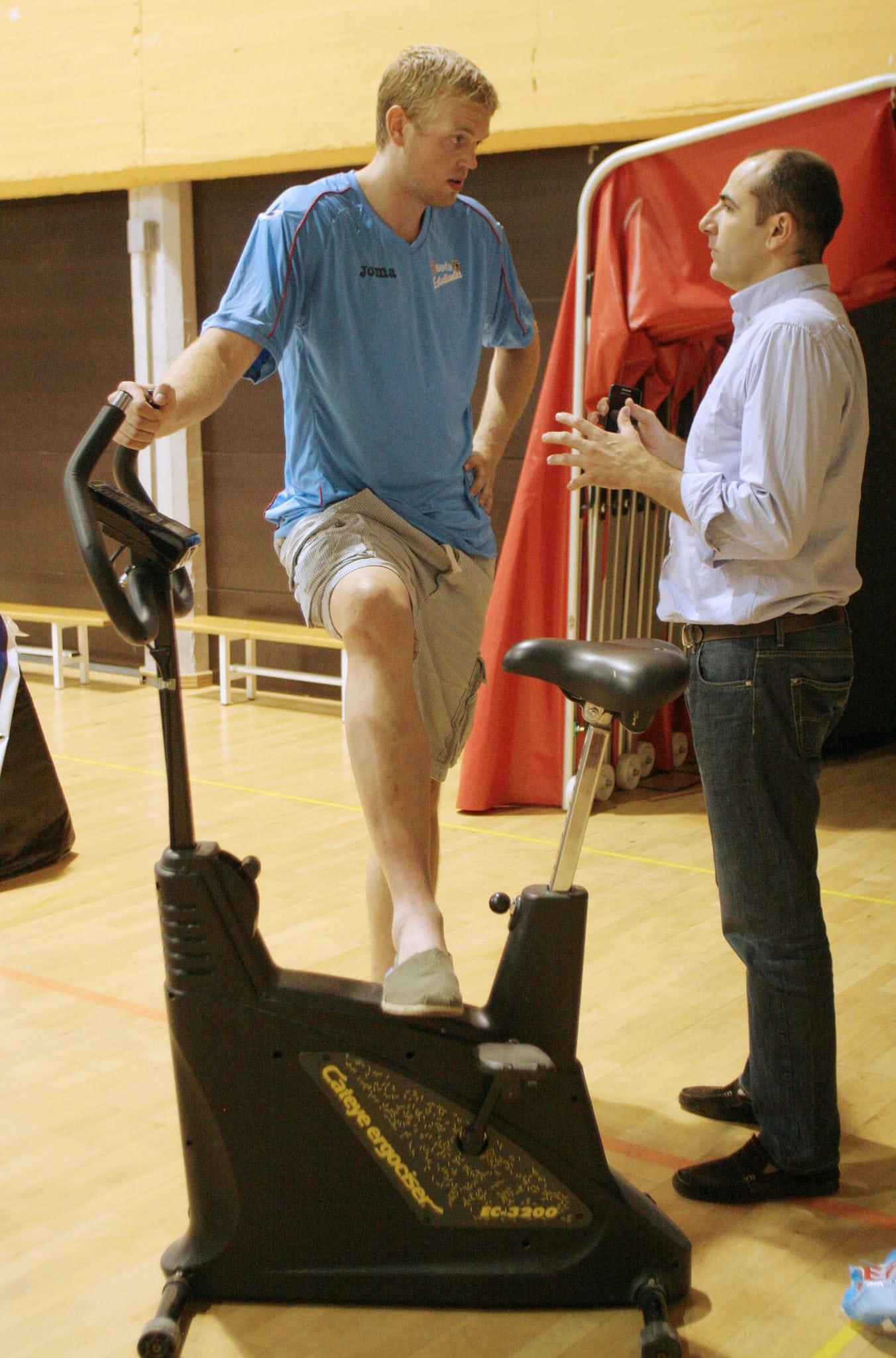 Daniel Clark se rehabilita de su lesión de tobillo