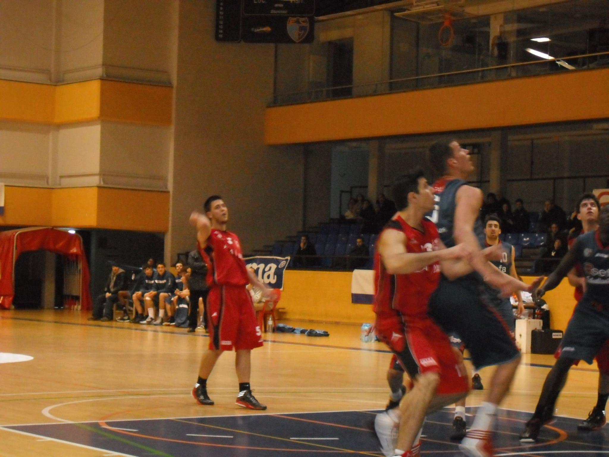 EBA: Importante victoria ante Basket Azuqueca (77-66) para carburar antes del Real Madrid