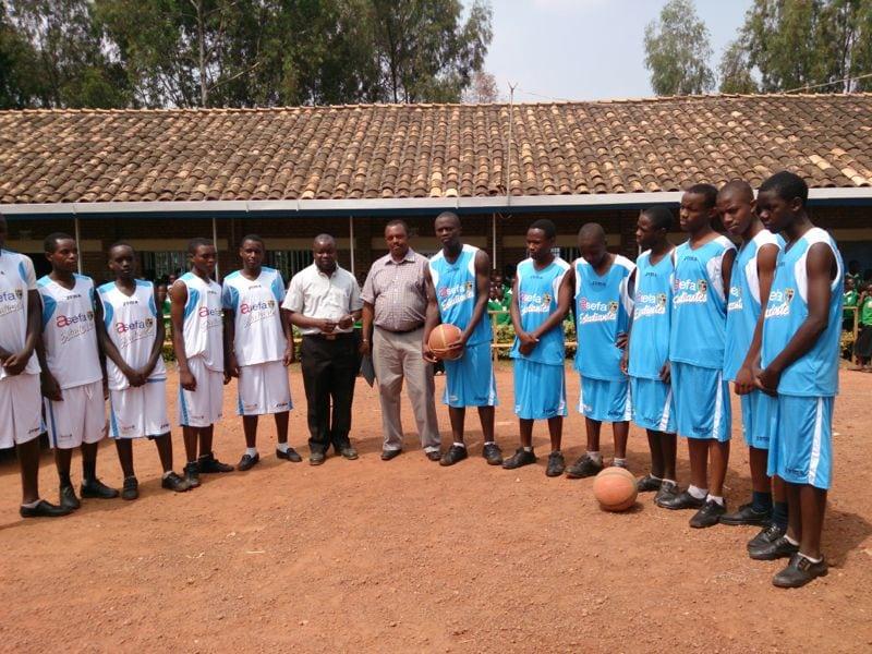 La Marca Estudiantes aterriza en Ruanda