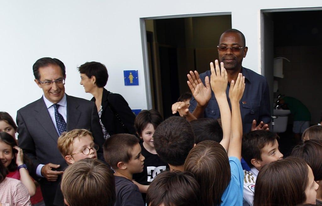 El gobierno de Angola visita a Tuenti Móvil Estudiantes para conocer su modelo de formación a través del deporte