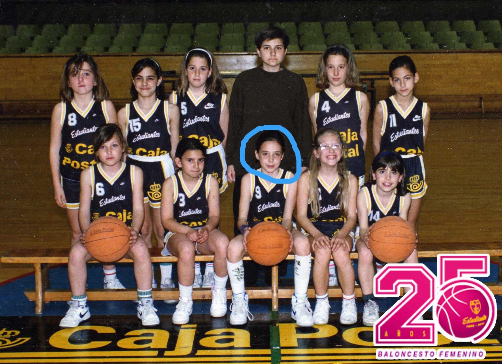 """25EstuFem. Clara Bermejo, la primera profesional. """"Lo que había que hacer al salir de clase en el Ramiro era jugar al basket"""""""