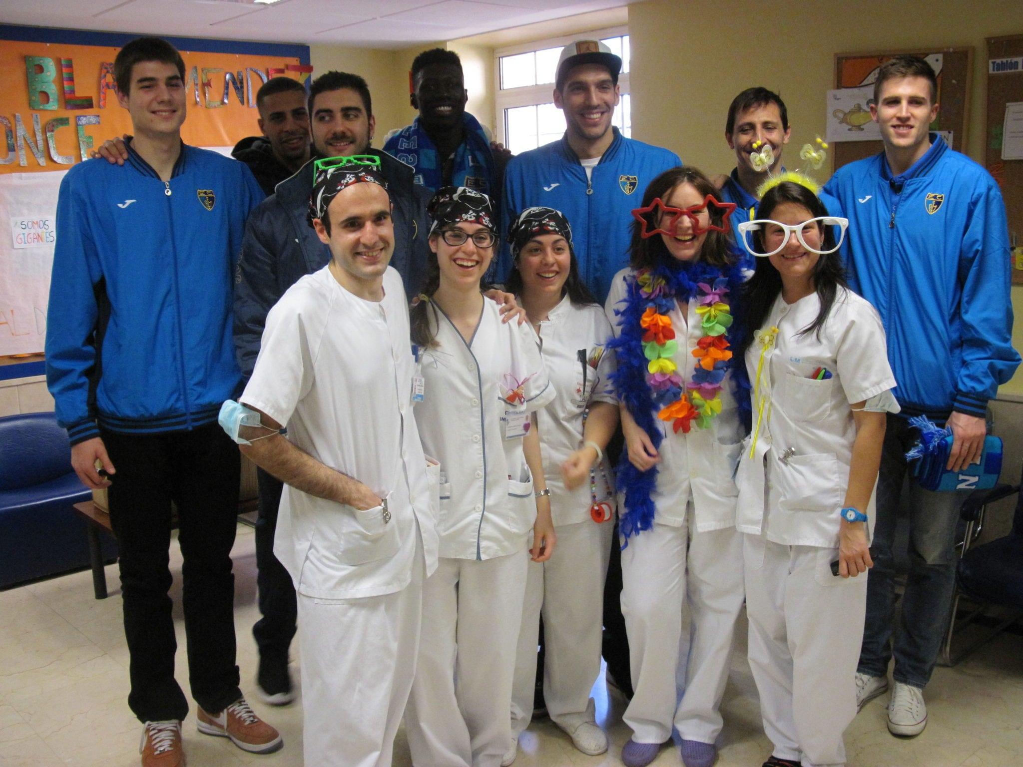 La Fundación y el equipo visitan el Hospital Niño Jesús