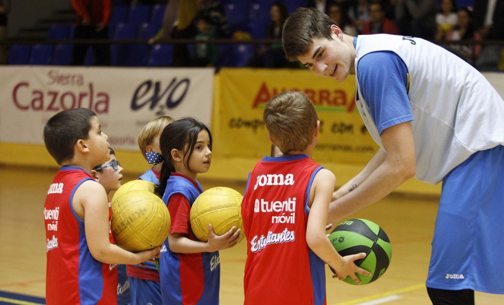El ProAm Infantil, un entrenamiento muy especial para tener un plus de fuerza para el partido contra Rio Natura Monbus