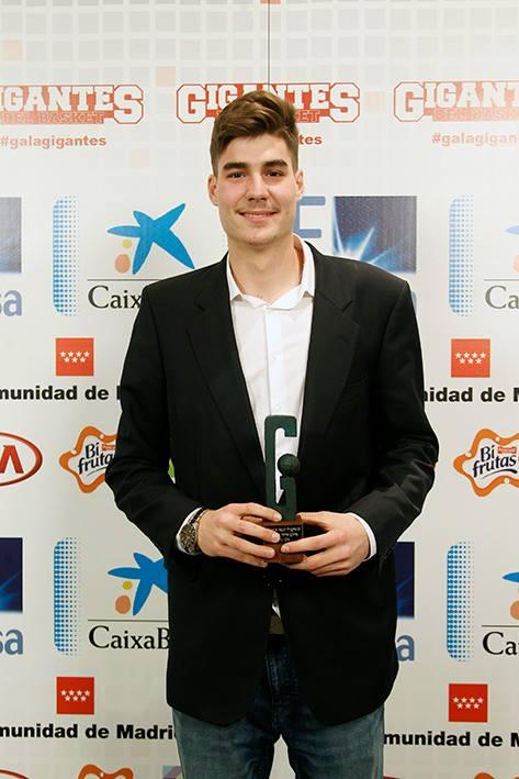 Juancho Hernangómez, premio a la Mejor Progresión en una Gala Gigantes con mucha historia estudiantil
