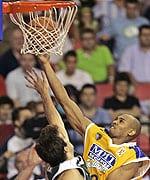 MMT ESTUDIANTES DEBUTA CON VICTORIA EN LA FIBA CUP