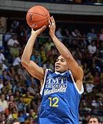 MMT ESTUDIANTES SE ENCARAMA AL LIDERATO DE LA FIBA CUP