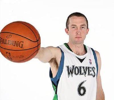 El escolta anotador NBA Blake Ahearn, nuevo jugador de Estudiantes