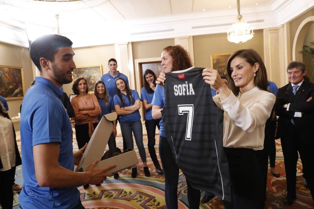 El kiosko: así reflejaron los medios la audiencia de SM la Reina con el Club Estudiantes y su Fundación