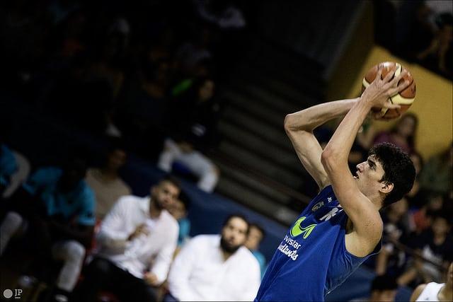 EBA: El filial, intenso y combativo, cayó ante Isover Basket Azuqueca (73-78)