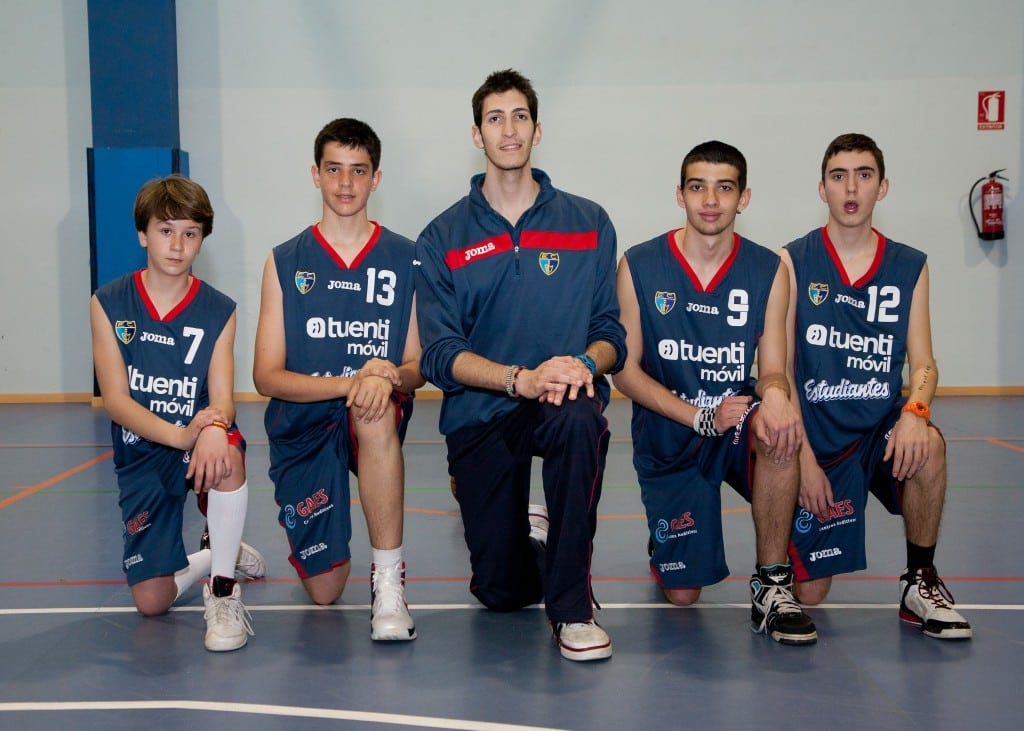 "Cadete- Infantil Escuela ""S"". Tuenti Móvil Estudiantes 2013-14"