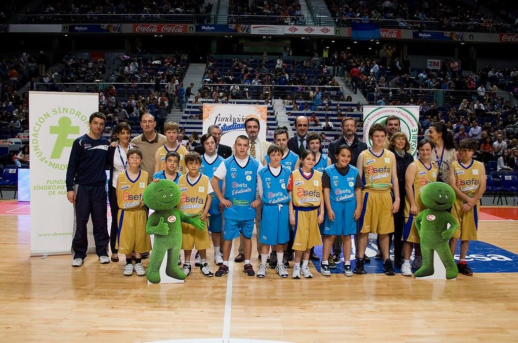 """Todo un All Star de """"Baloncesto para todos"""" contra Uxue Bilbao"""