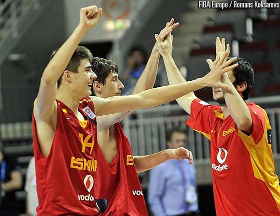 España U18 se mete en la lucha por las medallas