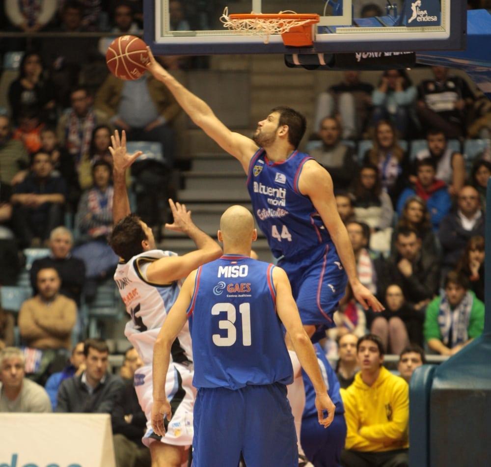 """Dejan Ivanov, jugador de la jornada 14: """"ahora ha sido mejor, porque viene con una victoria muy importante"""""""