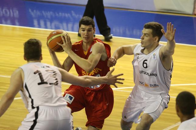 Protagonismo estudiantil en la derrota de la U20 frente a Eslovenia (63-71)