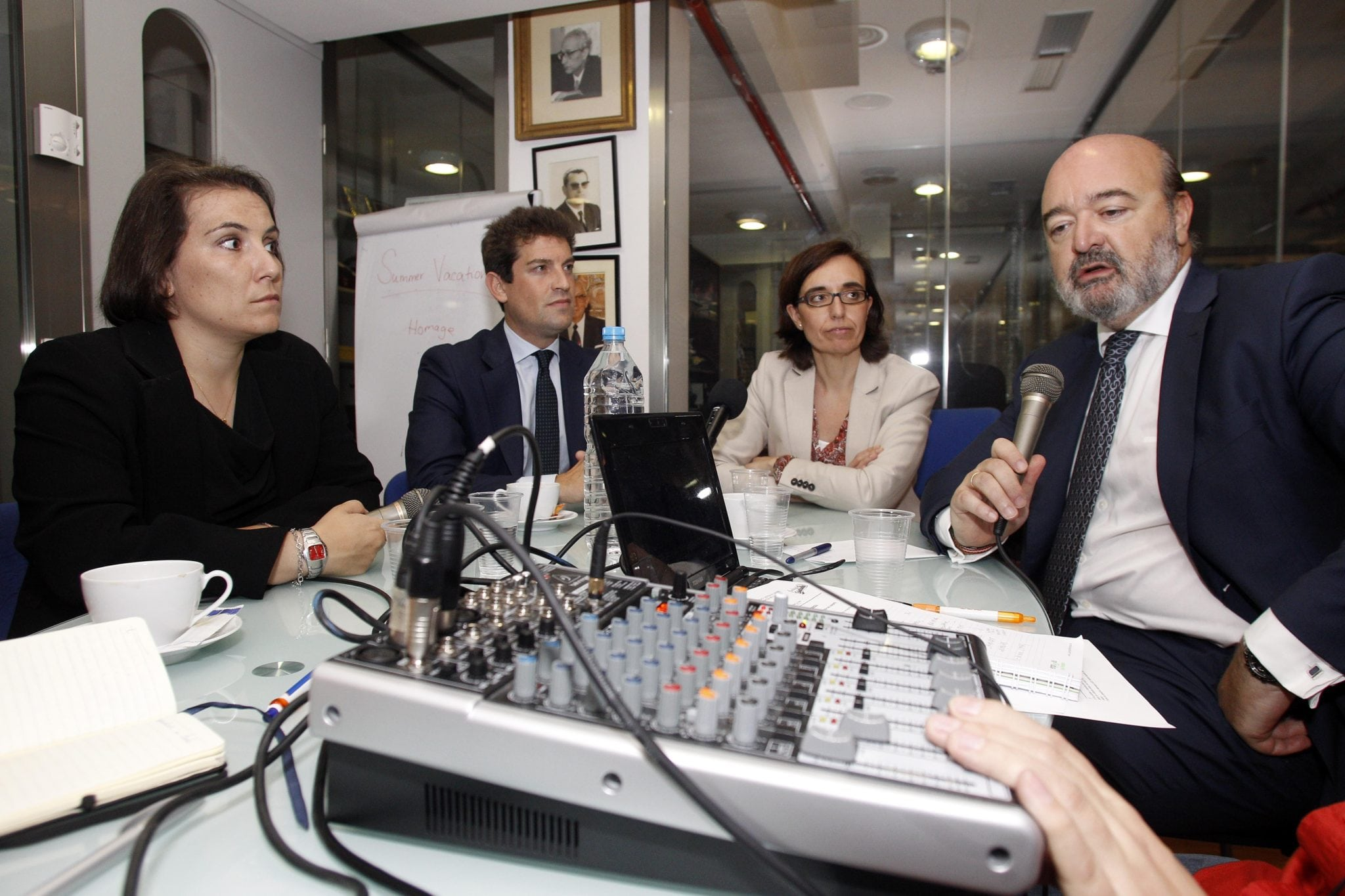 Tertulia en EstuRadio sobre el Máster en Derecho y Gestión del Deporte