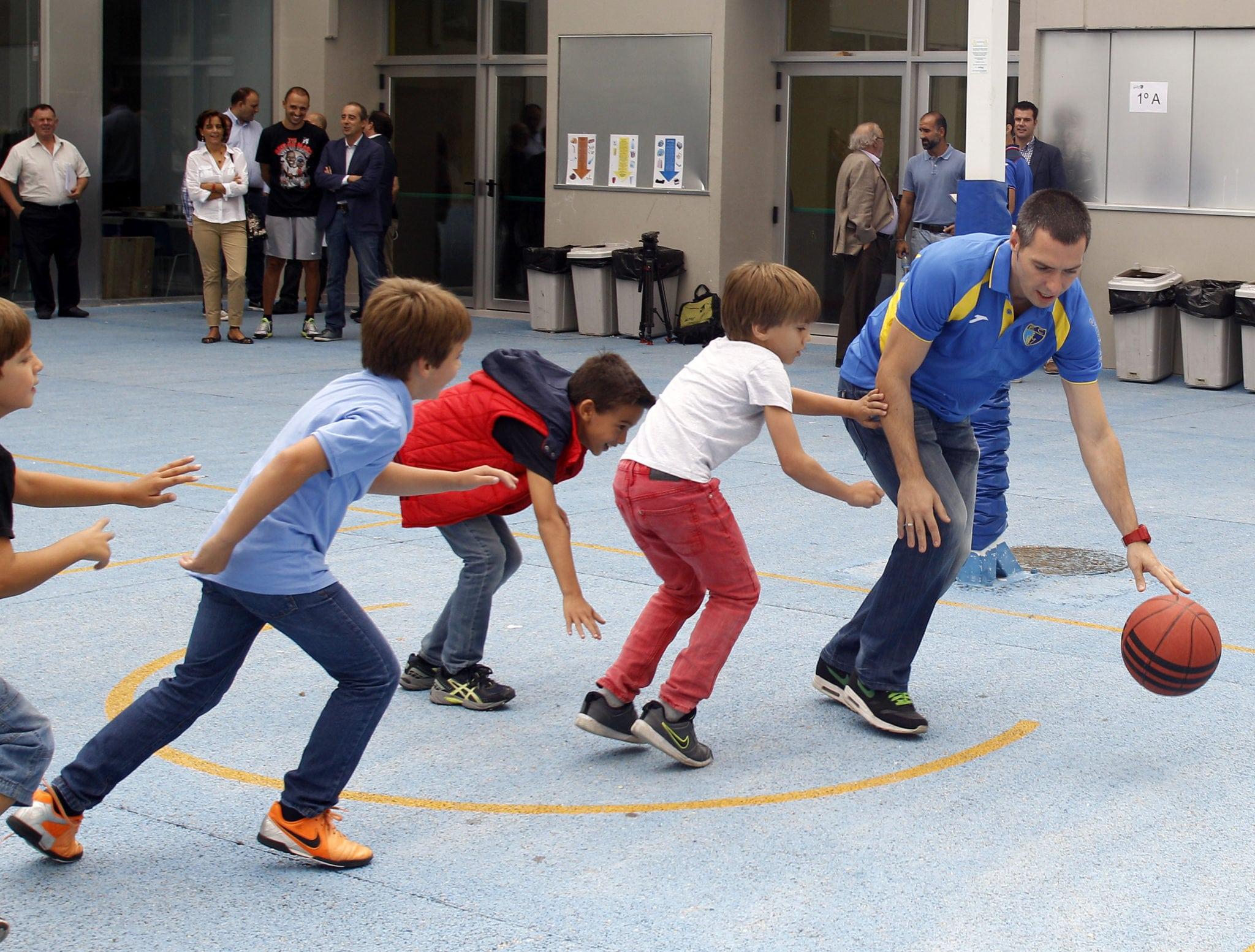 Vuelta al cole de Tuenti Móvil Estudiantes. Una presentación de patio de colegio para Nacho Martín, Javi Salgado y Pep Ortega en Las Tablas