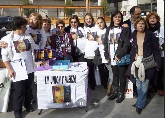 Recogida de firmas en apoyo a los pacientes de Fibromialgia y síndrome de Fatiga Crónica en el partido
