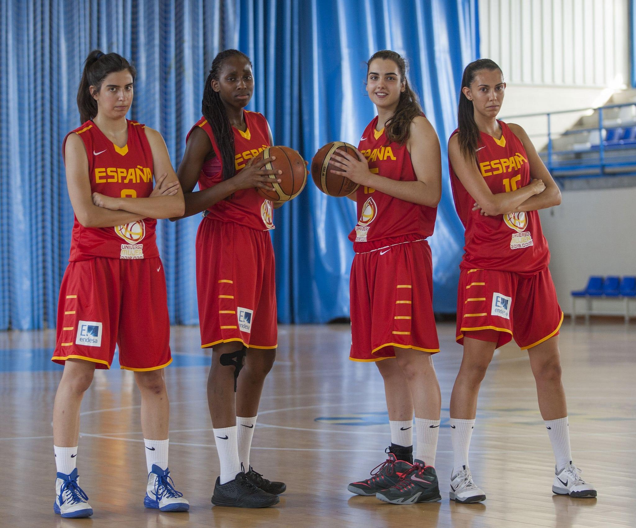 España U19F continúa la preparación del Mundial con María Conde y la ayuda de Clara Rodríguez