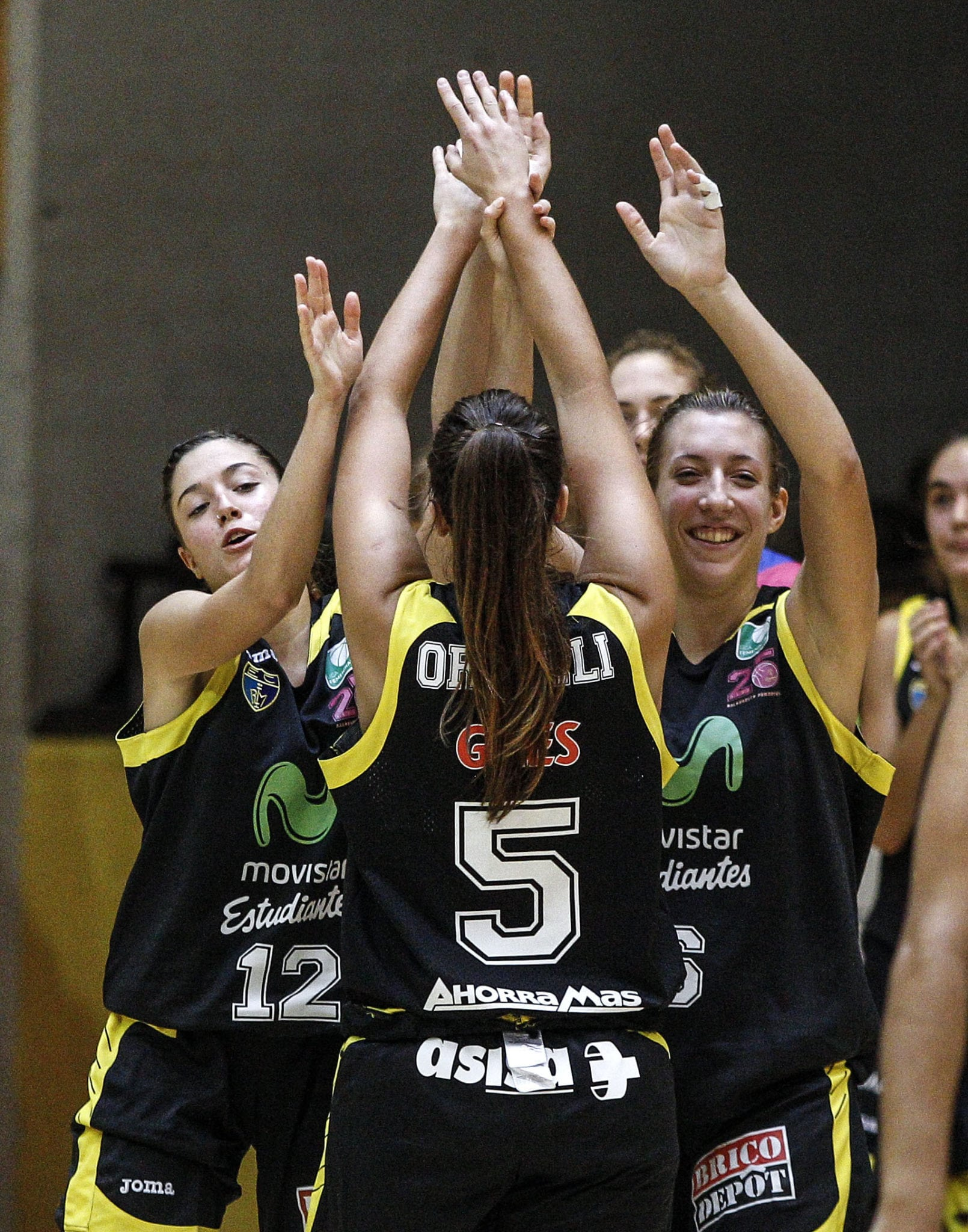 Victoria de las Women In Black en tierra hostil (66-70)
