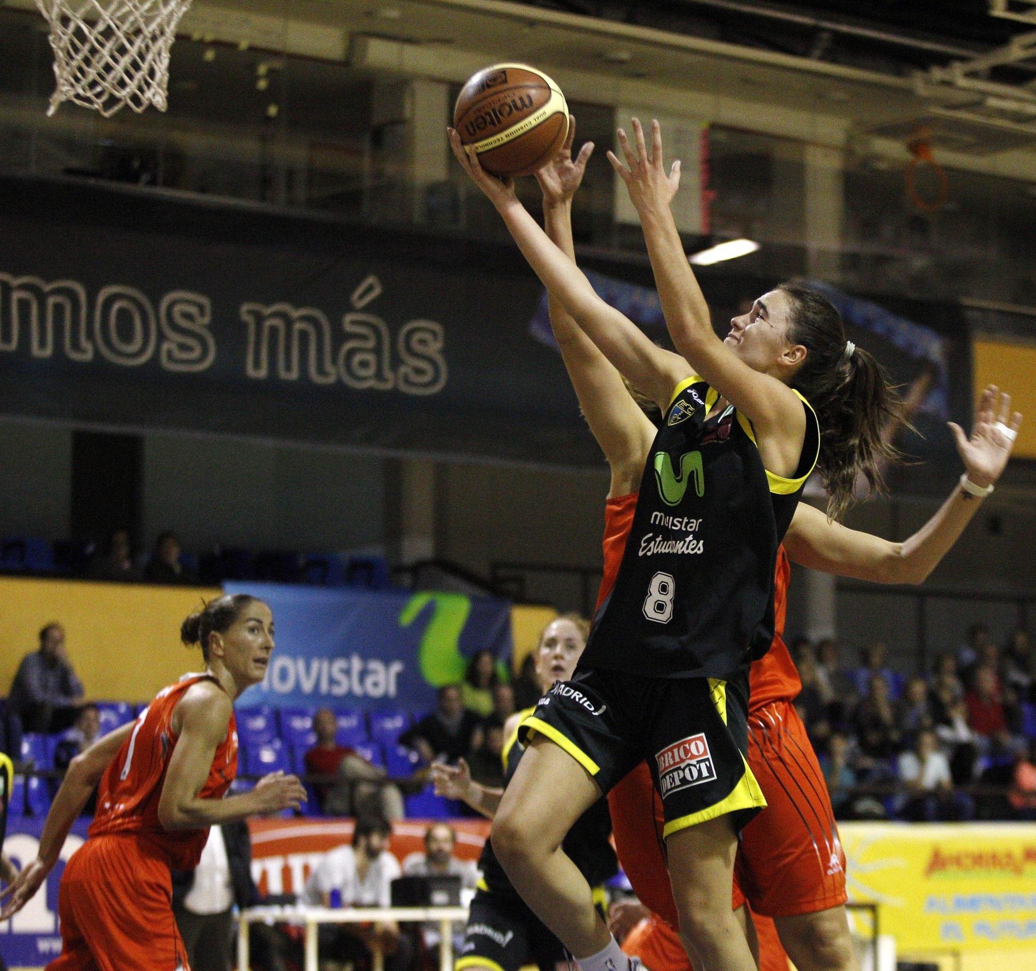 Las Women in Black recuperan la sonrisa derrotando a Rivas en Magariños (64-59)
