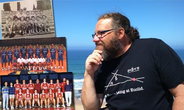 """Minuto de silencio en homenaje al ex entrenador Jose Luis Guerrero """"Güis""""; y a Germán, hermano del preparador físico Jorge Sánchez."""