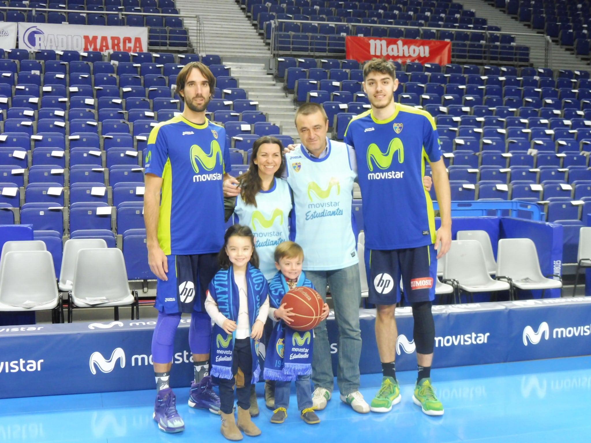 Enrique, Raquel e hijos vibraron así con la experiencia Vive Movistar ¿quieres ser el siguiente? Participa