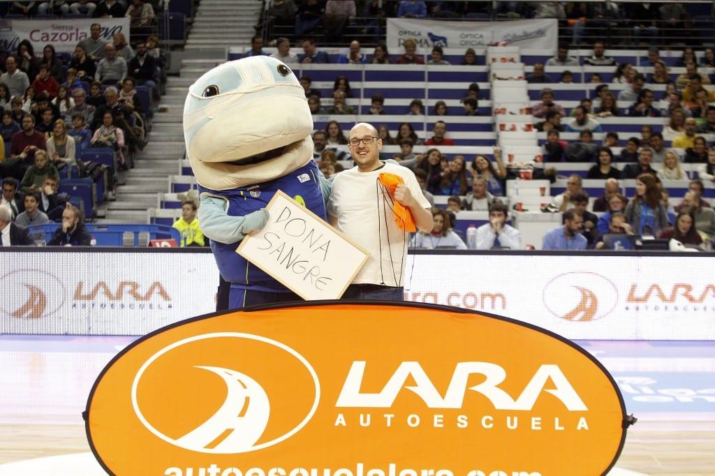 La grada: tenis, 7.322 sufridores (algunos de ellos gallegos) y un tiro de 7.500 euros que casi entra