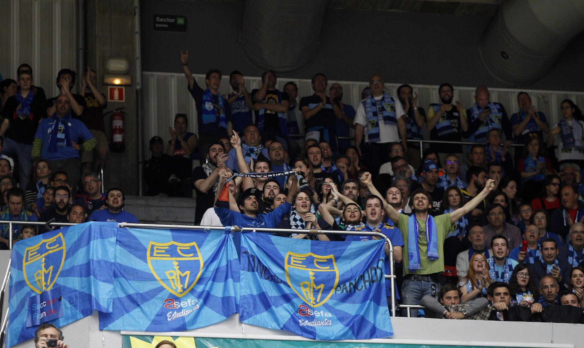 Más de medio centenar de aficionados, encabezados por la Demencia, apoyarán al equipo en San Pablo