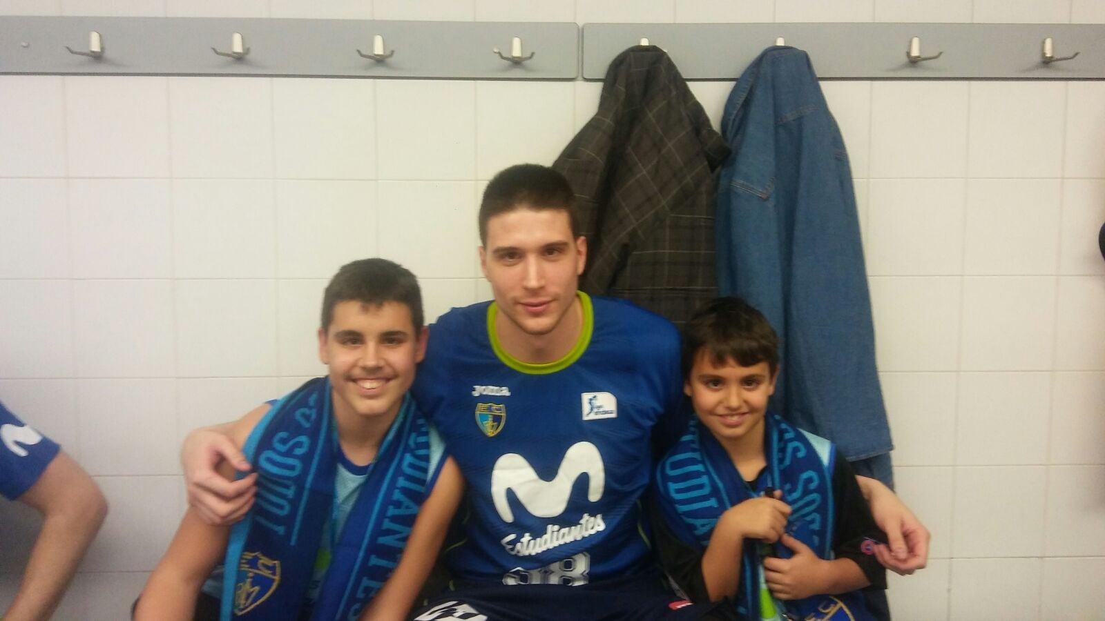 Así fue la experiencia VIP Vive Movistar de la familia García en el Movistar Estudiantes- FC Barcelona Lassa