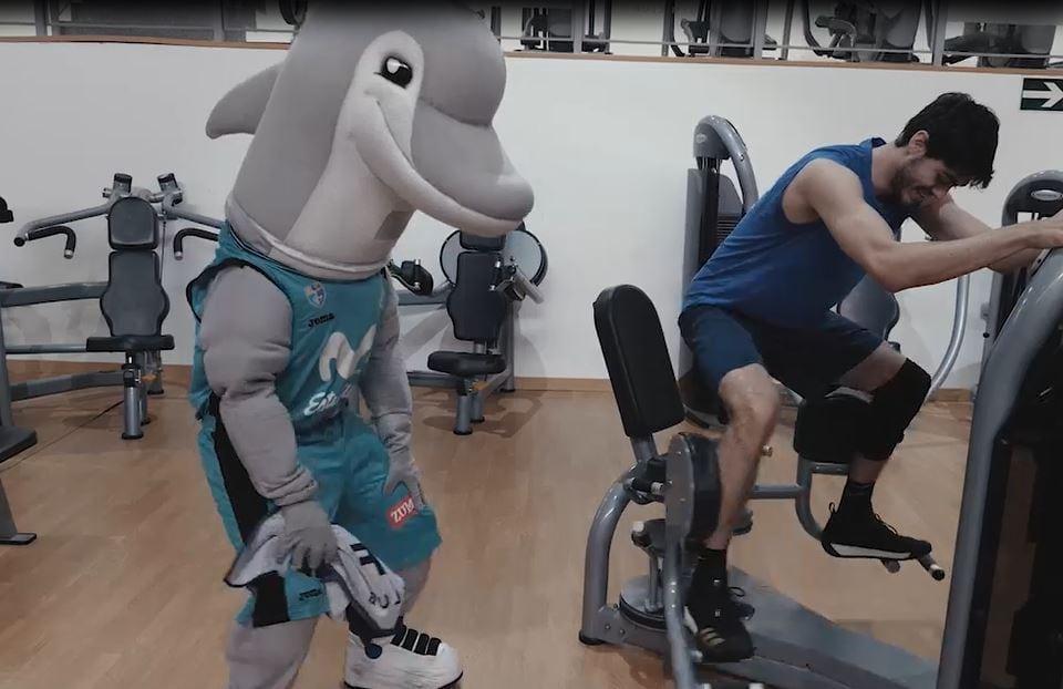 VÍDEO: El entrenamiento del Delfín Ramiro para la Carrera de la Afición con la plantilla de Movistar Estudiantes y la cantera del Suanzes