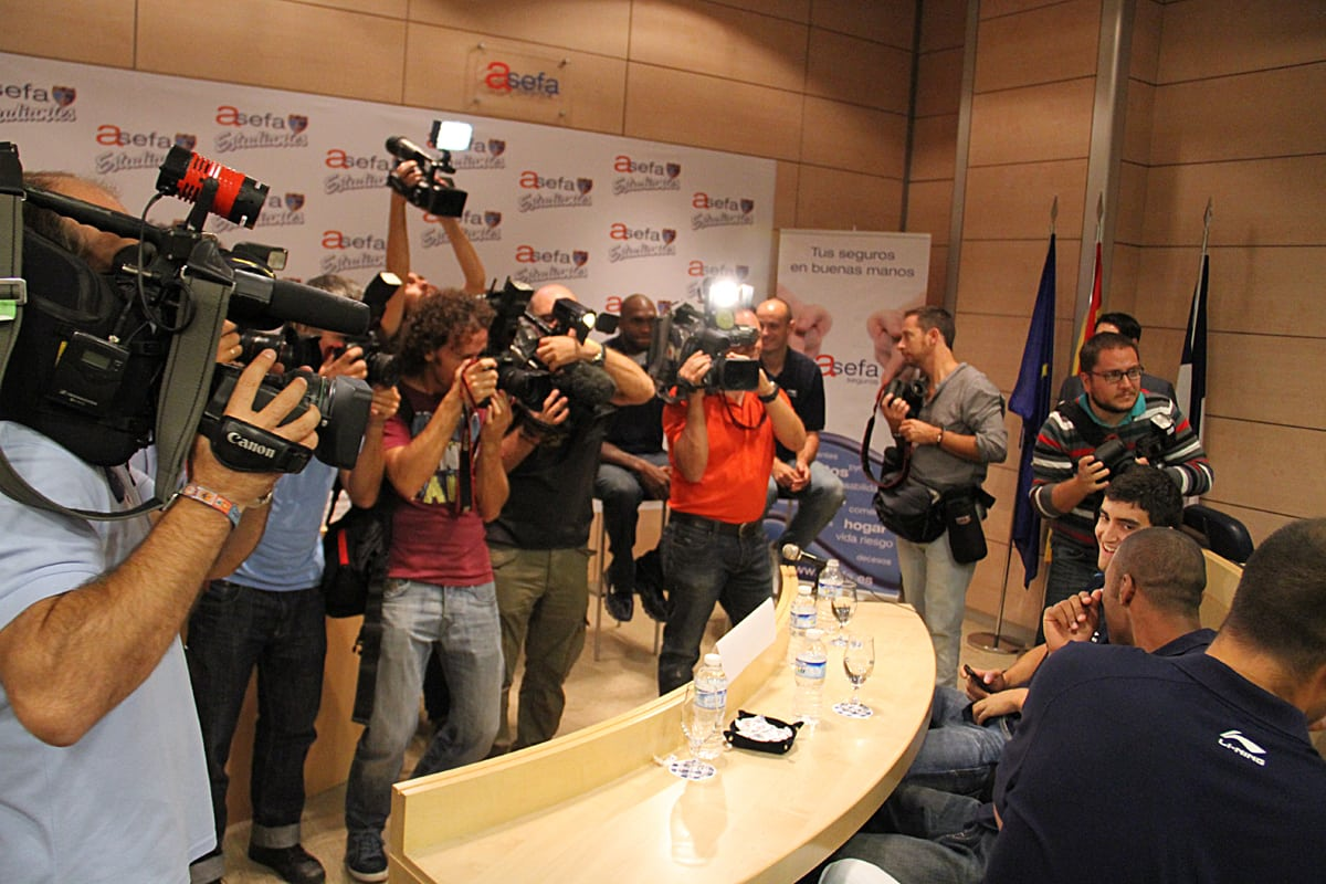 El estreno de Estu-TV, seguido por cerca de 1.500 internautas