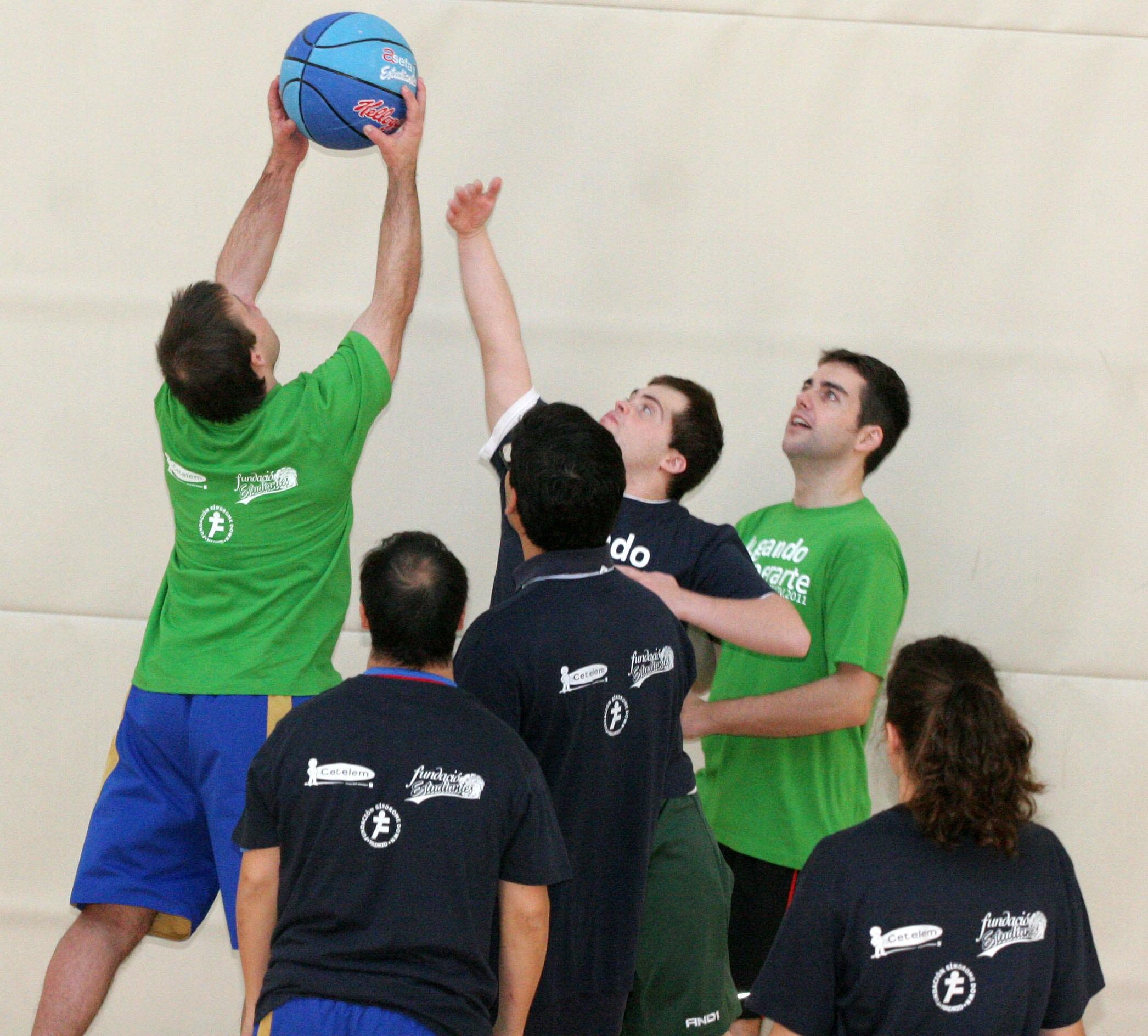 FOTOS: Jugando a superarse con Fundación Estudiantes, Fundación Síndrome de Down de Madrid  y Cetelem
