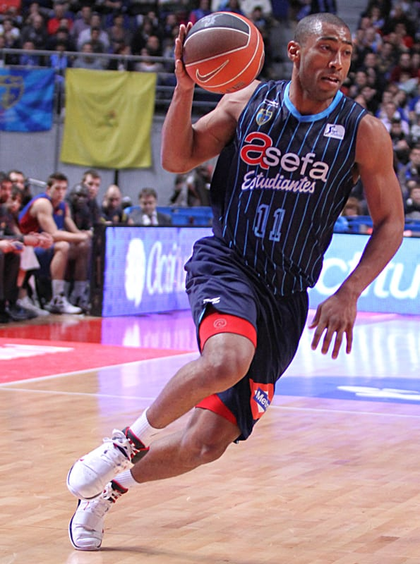 Granger, Driesen y Clark, protagonistas en FIBA.com
