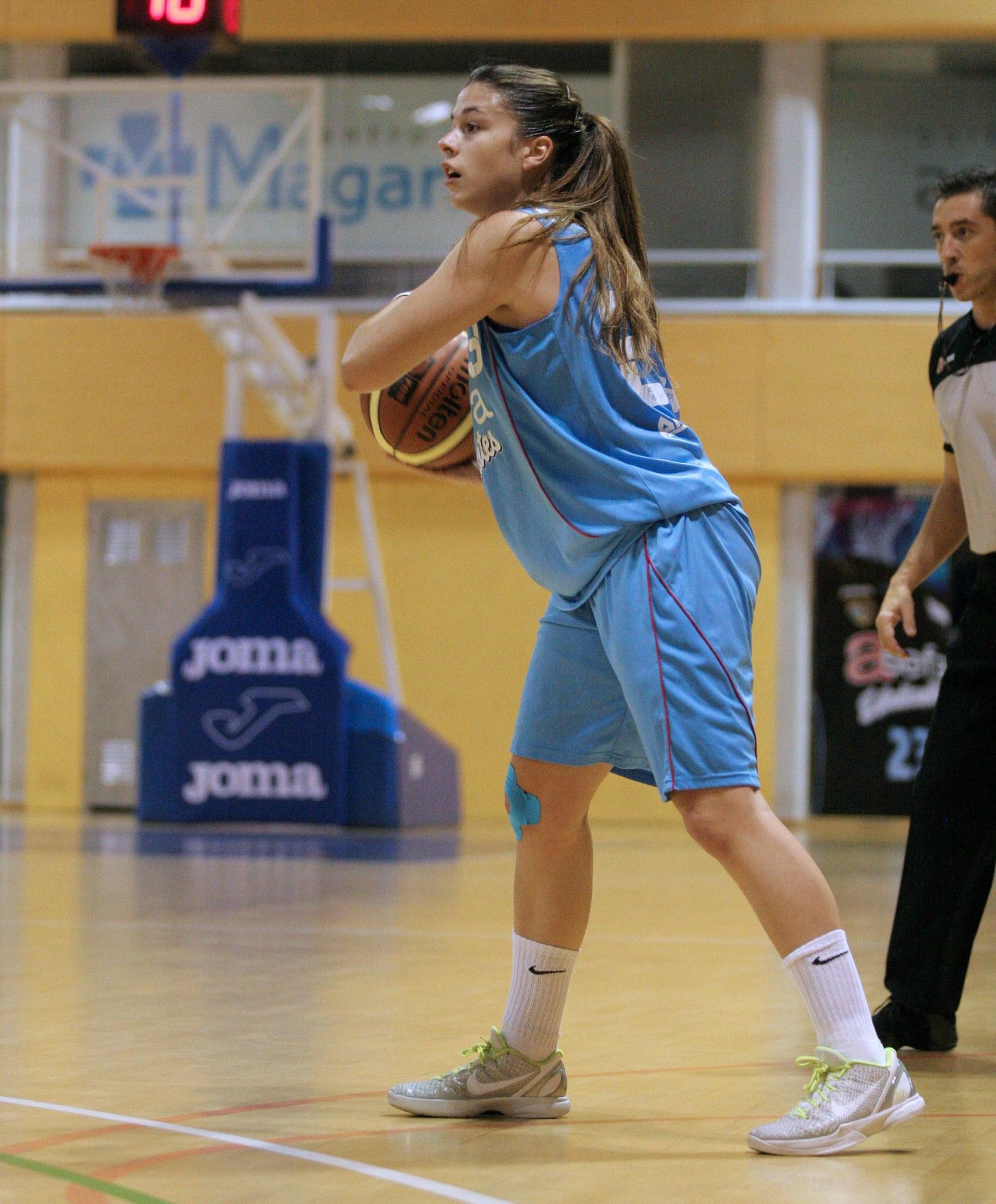 Elena de Alfredo, la amante del baloncesto