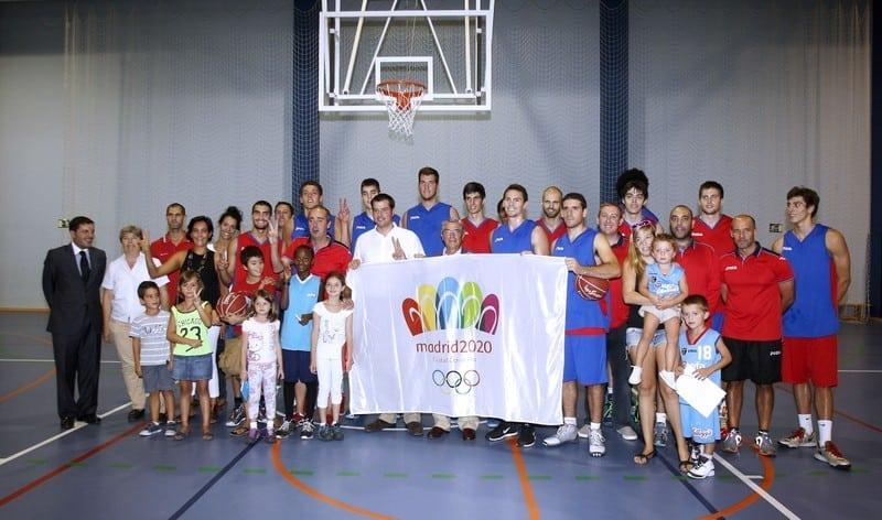 Un entrenamiento ACB para conocer la nueva sede de la Escuela de Baloncesto en Las Tablas