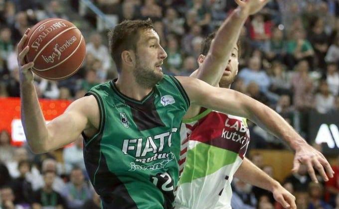 La llegada de Goran Suton, en prensa