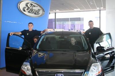 Ford, proveedor automovilístico del Estu