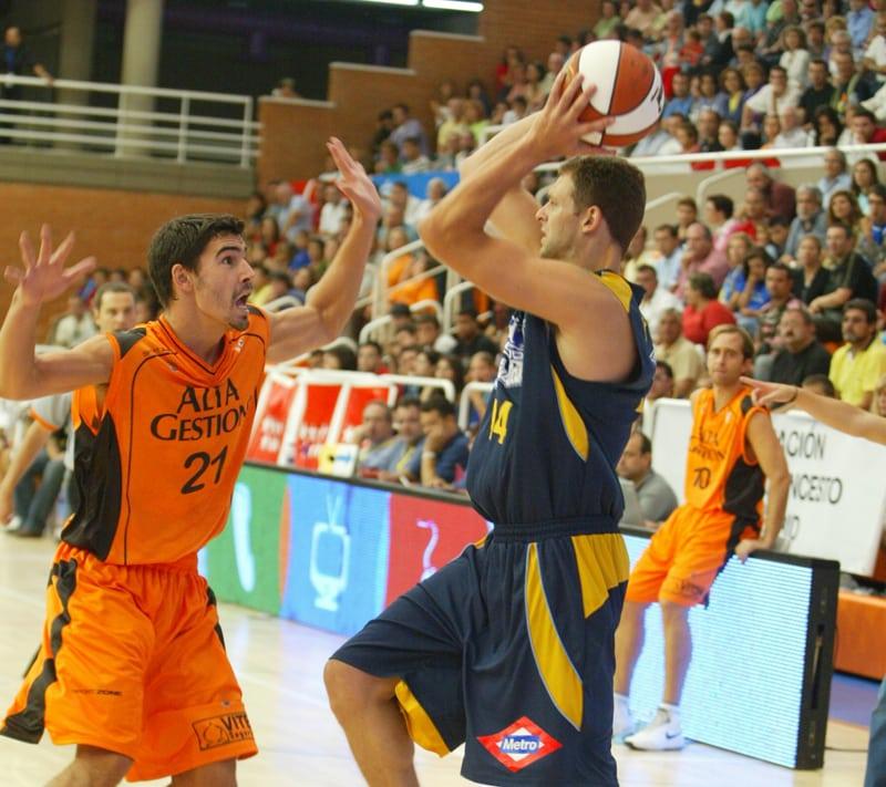 Estu-Fuenla, primer asalto del Torneo CAM (domingo 12:00h)