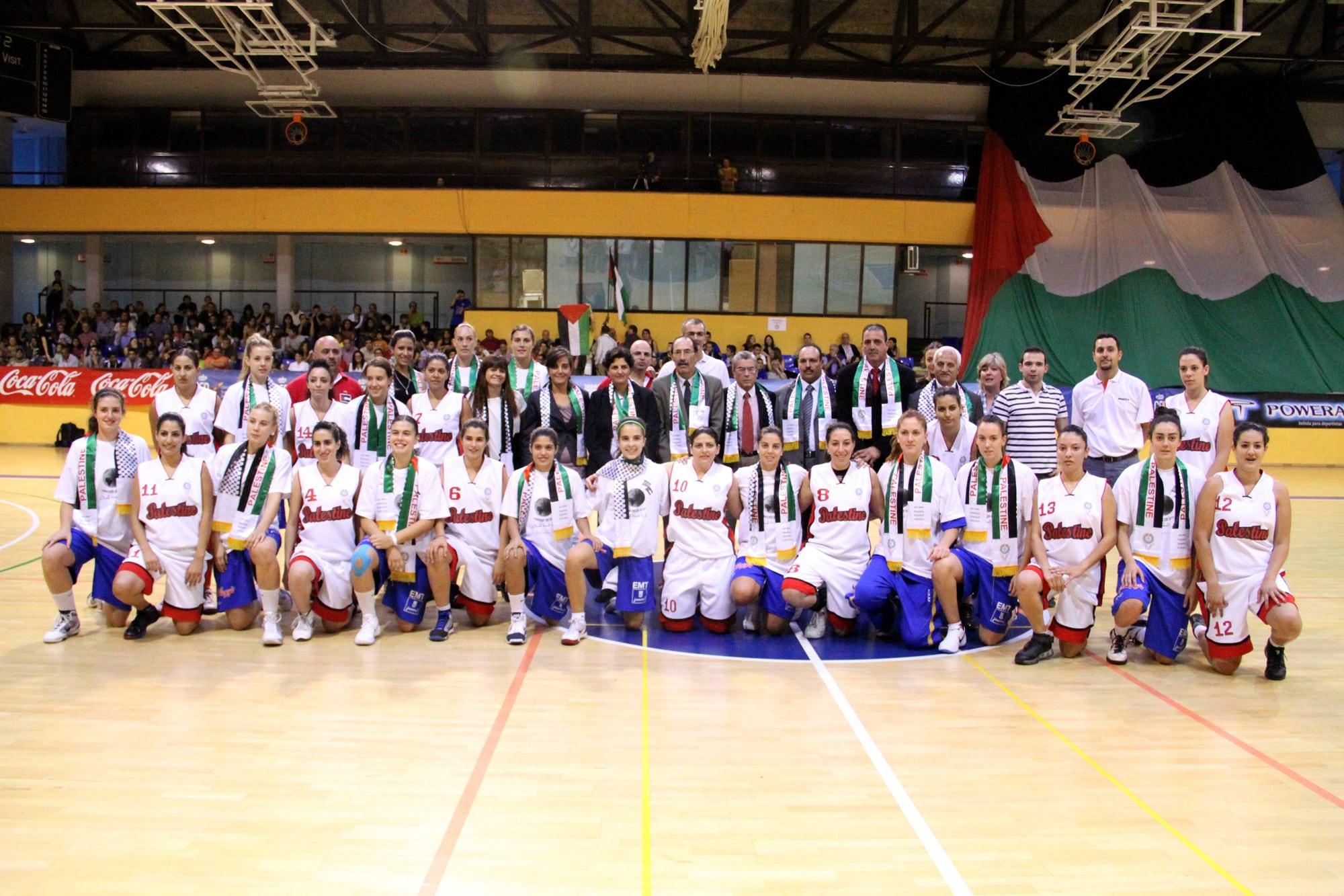 LF2: Doble victoria ante Palestina (34-7, 27-13, 27-0, 31-2)