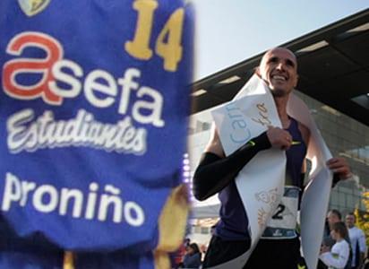 Casi 5.000 personas participan en la carrera a favor de Proniño, patrocinador de la cantera colegial