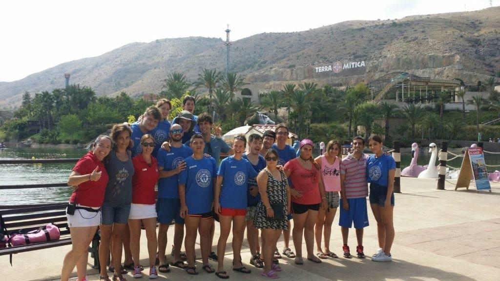 participantes del III Minicampus Fundación Estudiantes y Terra Mítica en el parque temático