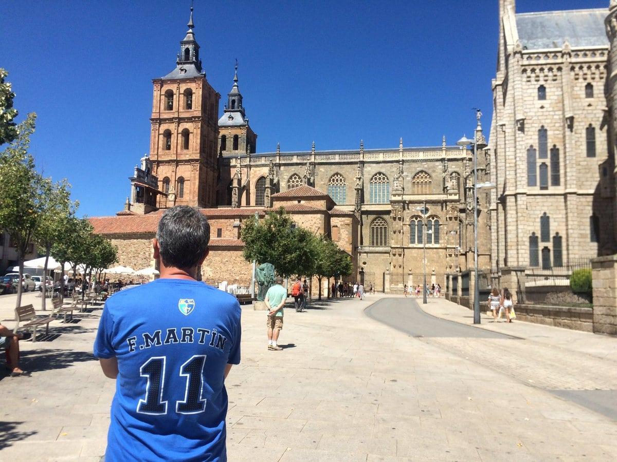 Estudiantiles por el Mundo (3): paraísos, baloncesto y una calavera