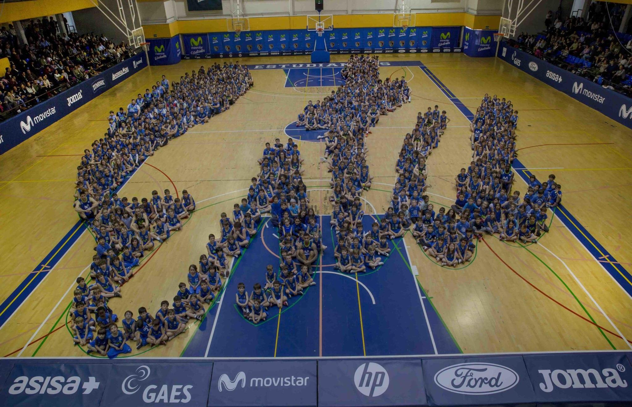 Esto es el ESTU. Toda la familia de Movistar Estudiantes junta en la foto de cantera