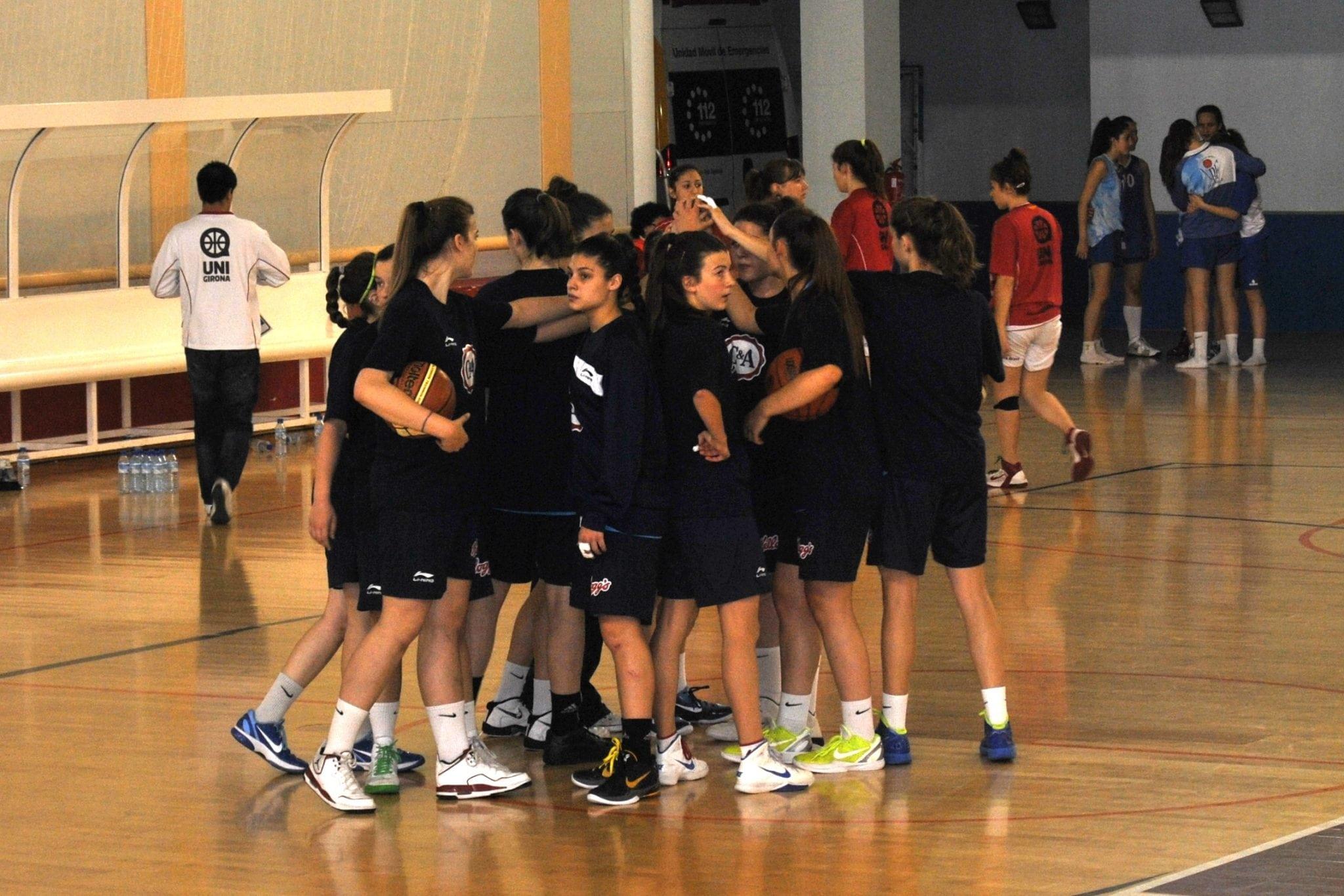 Blog de cantera: ¡¡Las niñas se fueron de Torneo!!