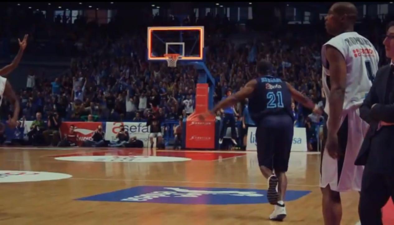 VIDEO: El triple de Tariq