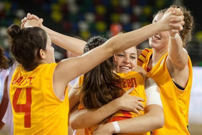 España roza la perfección y se mete en semifinales del Europeo