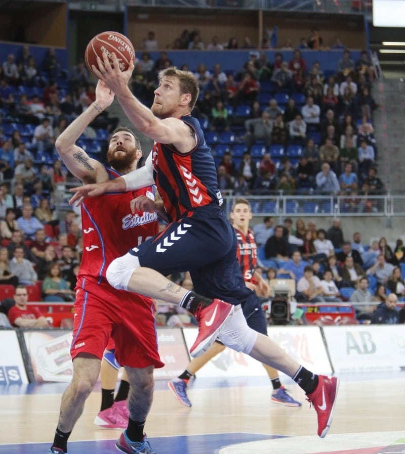 Nocioni leads Laboral Kutxa against no coming-ups (79-66)