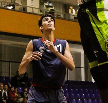 El alero Jacobo Díaz comienza la concentración con la española U18
