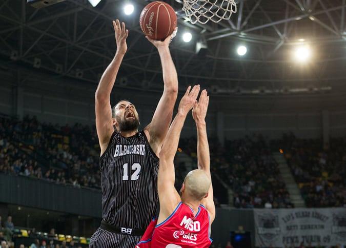 Cómo seguir el Tuenti Móvil Estudiantes- Bilbao Basket